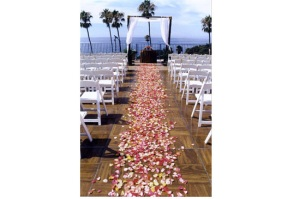 Oceanfront wedding flowers